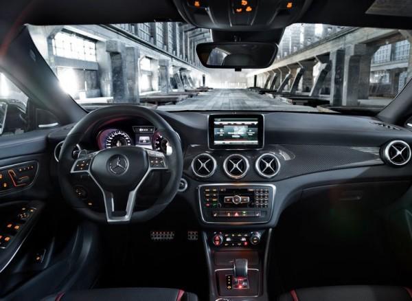 Mercedes-Benz-CLA45_AMG_2014_2