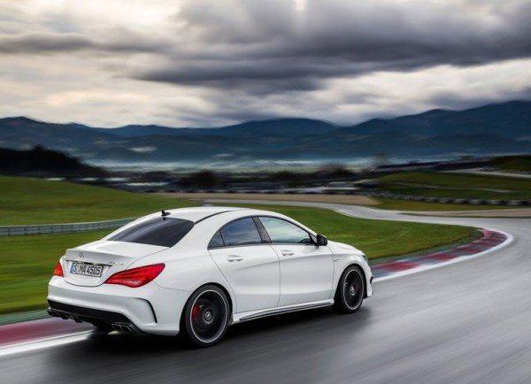 Mercedes-Benz-CLA45_AMG_2014_3