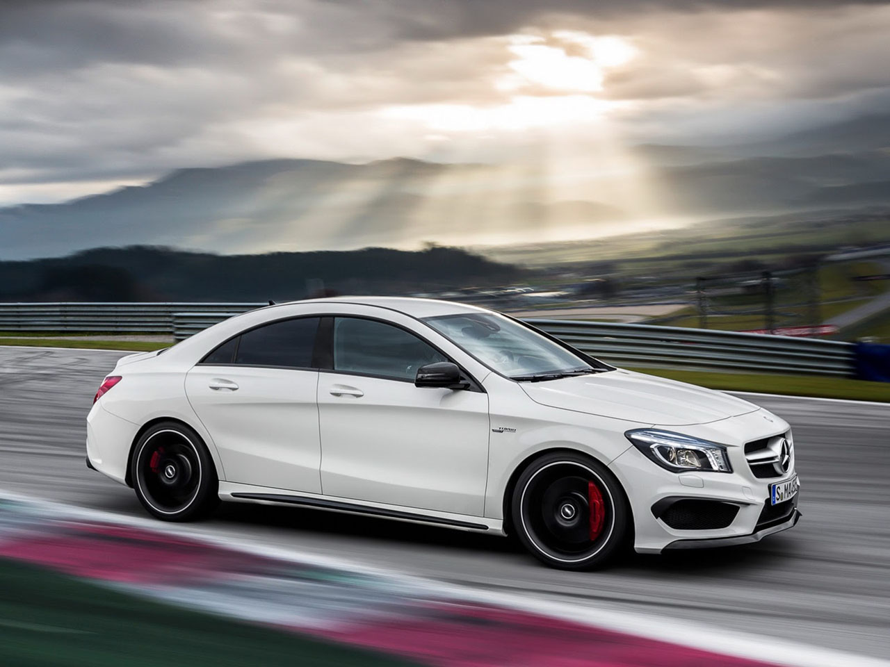mercedes cla45 amg official images leaked before new york debut motoroids. Black Bedroom Furniture Sets. Home Design Ideas