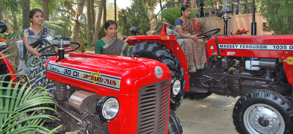 Picture 1 - Women were trained to drive Tractors @ TAFE Farmers' Day