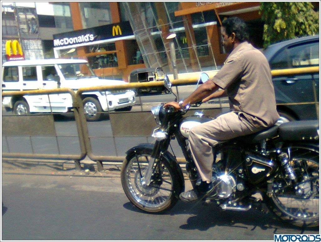 Royal Enfield Classic 500 spy pic-2