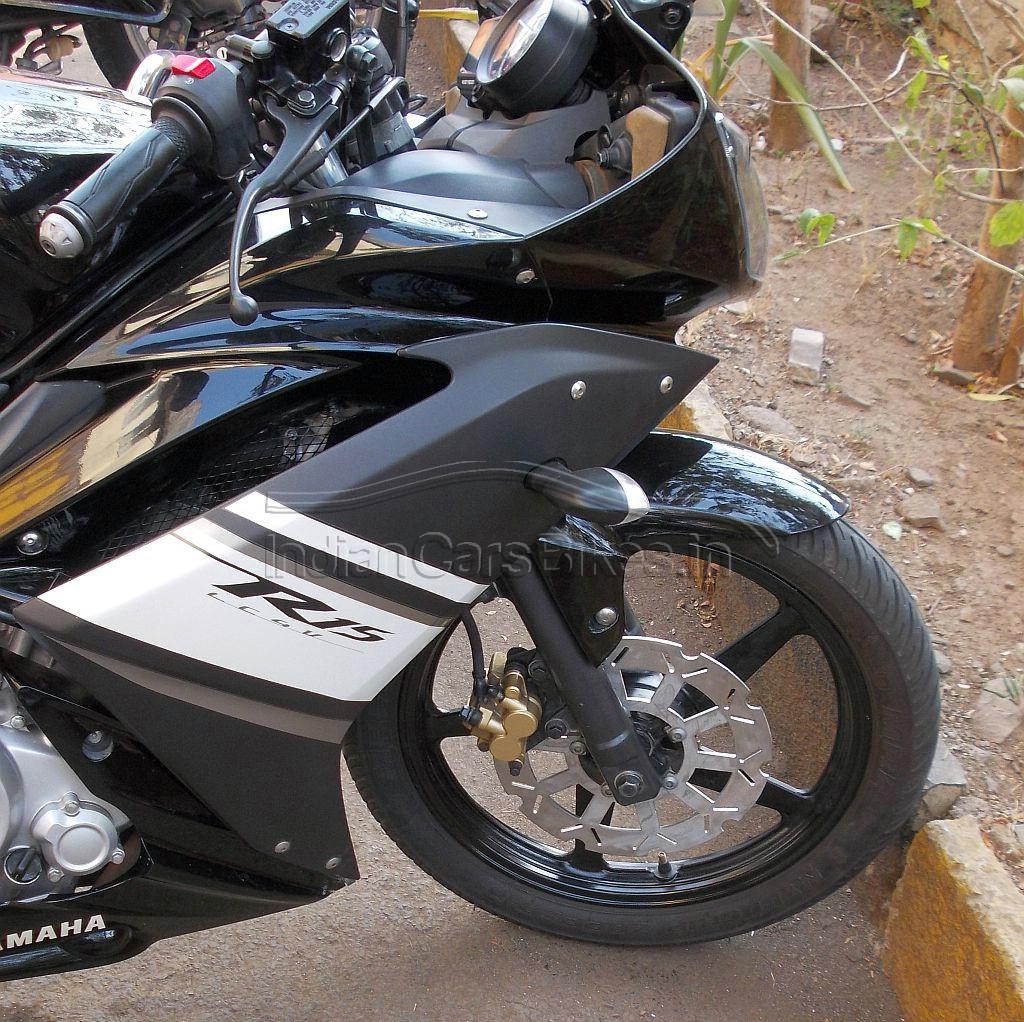 Yamaha-R15-Petal-Disc-1