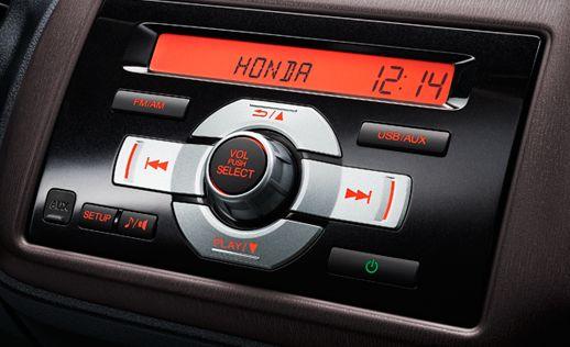 2013-Honda-Brio-Amaze-Compact-Sedan-2-DIN-Stereo