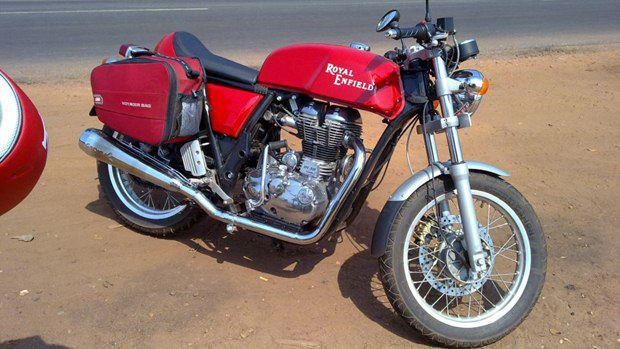 2013-Royal-Enfield-Cafe-Racer-535-India-Launch