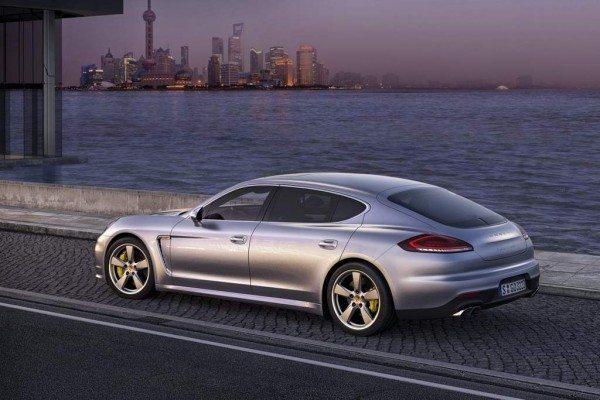 2014-Porsche-Panamera-Executive
