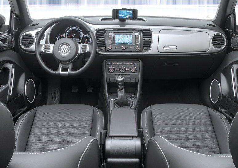 2014 volkswagen ibeetle Interior Dashboard