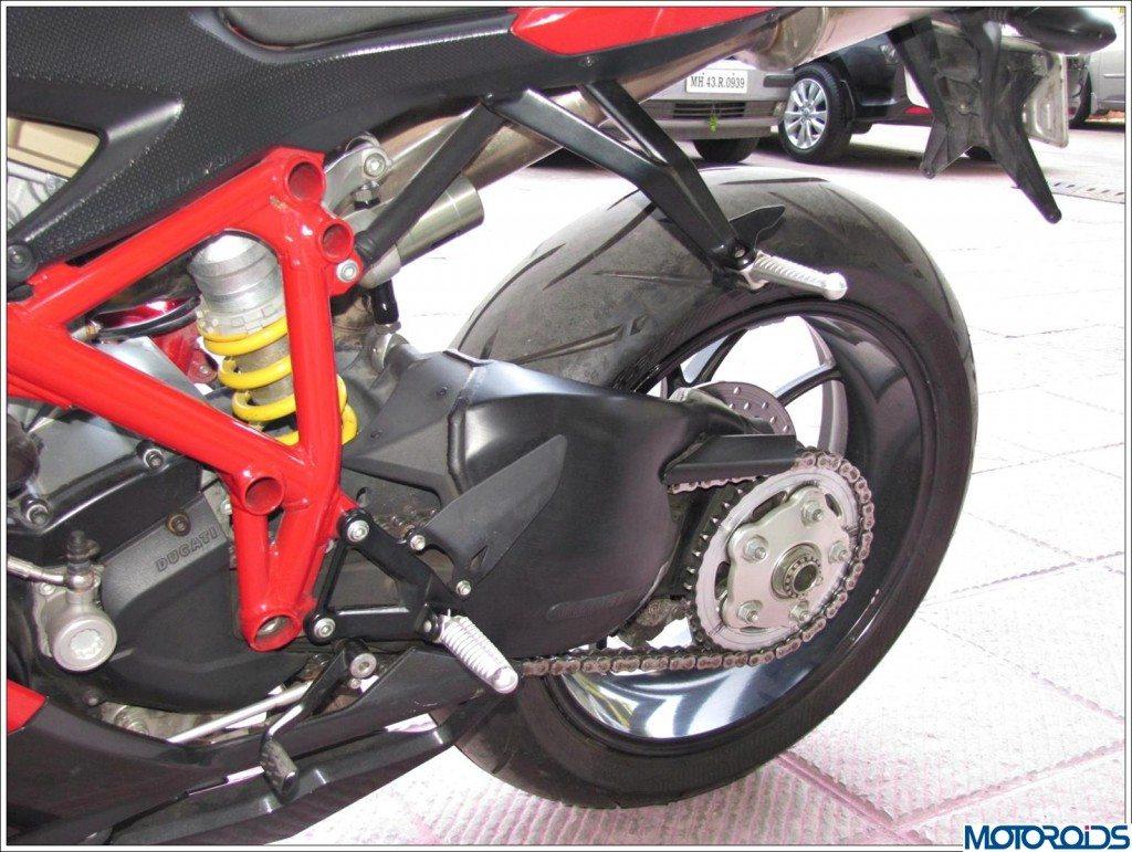 Ducati 848 Evo (18)