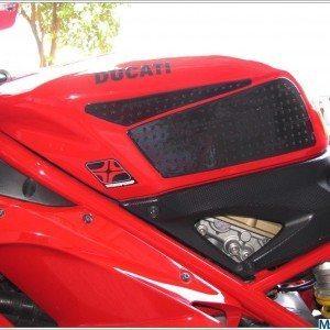 Ducati 848 Evo (19)