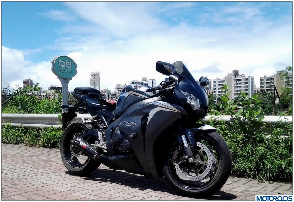 Honda CBR1000RR Fireblade (1)