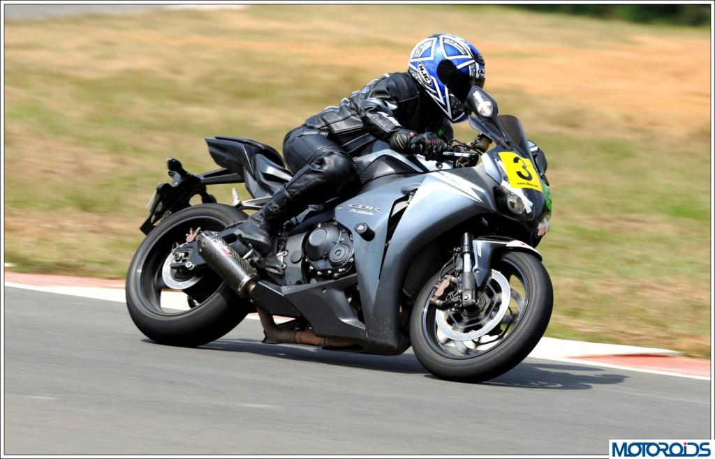 Honda CBR1000RR Fireblade (7)