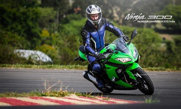 Kawasaki Ninja 300 India Launch 1 (1)