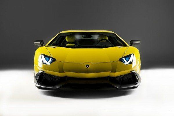 Lamborghini Aventador LP 720-4 50° Anniversario 3