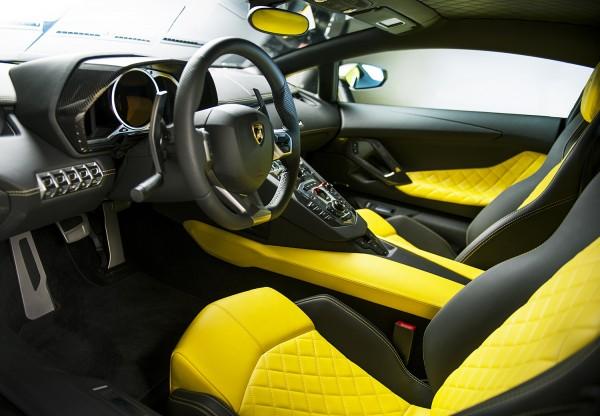 Lamborghini Aventador LP 720-4 50° Anniversario 6