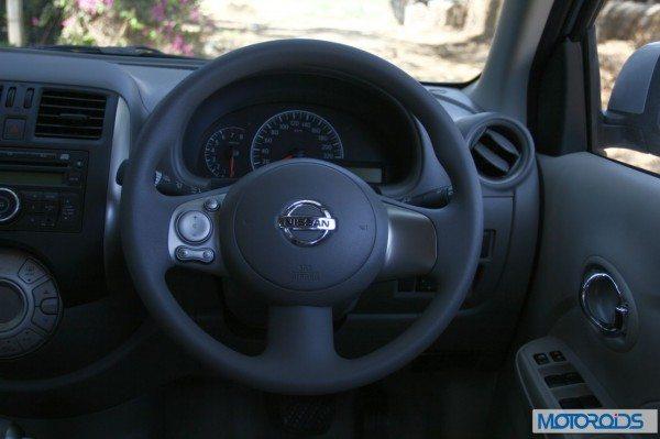 Nissan Sunny Xtronic CVT (30)