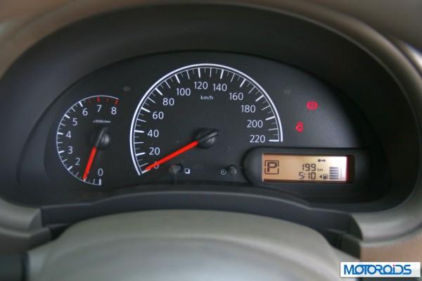 Nissan Sunny Xtronic CVT (39)