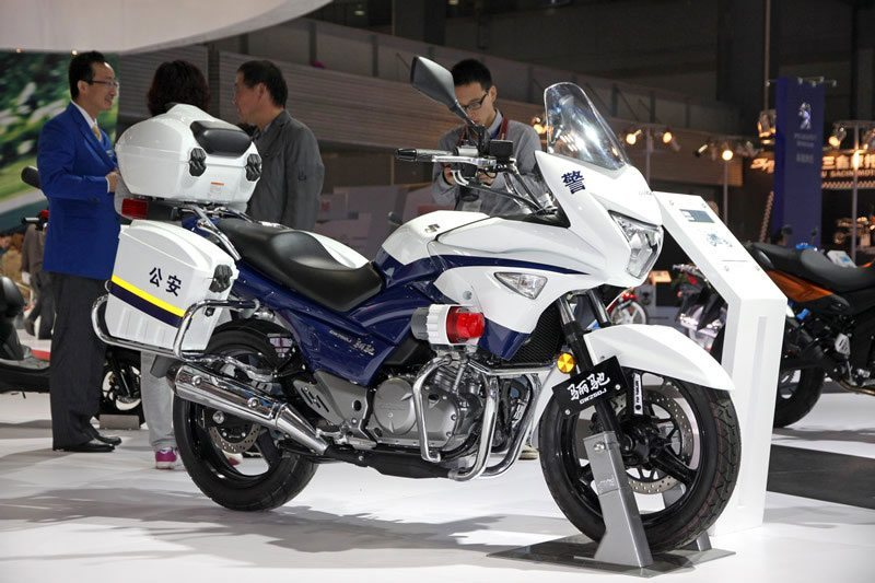 suzuki inazuma china police