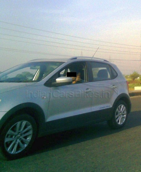 2013-Volkswagen-Cross-Polo-India-launch