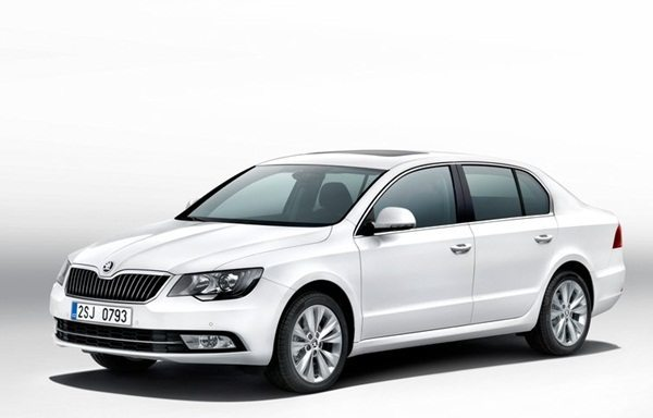 2014-Skoda-Superb-India-launch-2