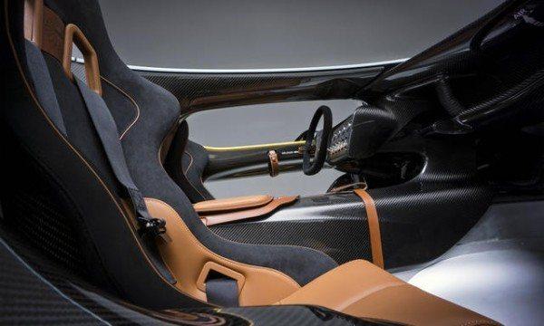 Aston-Martin-CC100-speedster-concept-pics-23