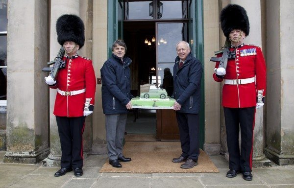LR_65_Years_Cake_Delivery_300413_04