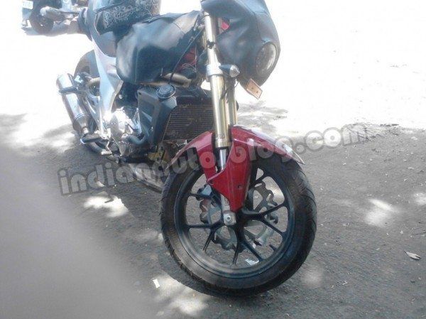 Mahindra-Mojo-300-Price-in-India-2