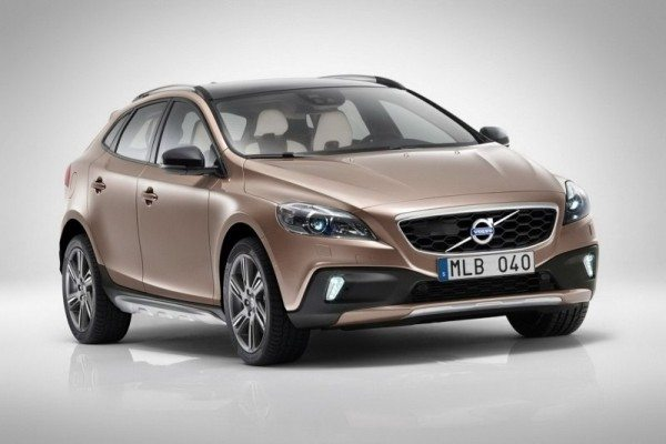 Volvo-V40-Cross-Country-India-Launch-date-1