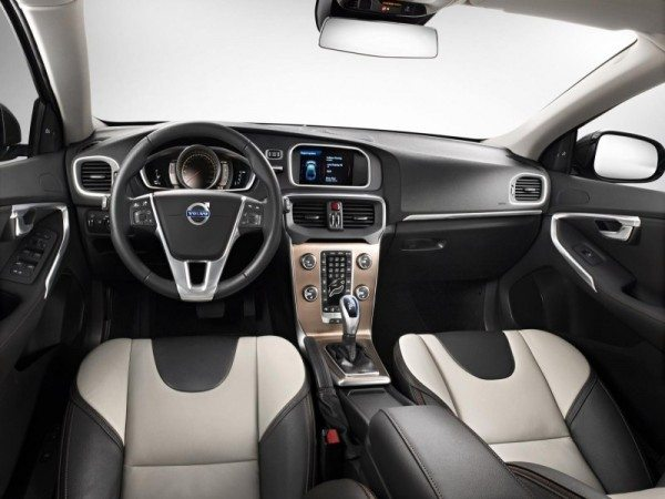 Volvo-V40-Cross-Country-India-Launch-date-2