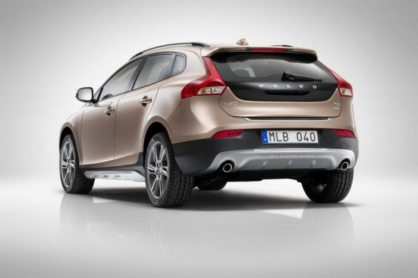 Volvo-V40-Cross-Country-India-Launch-date-3