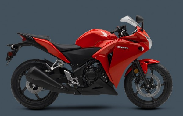 2013-Honda-CBR-250R-Sports-Red-color