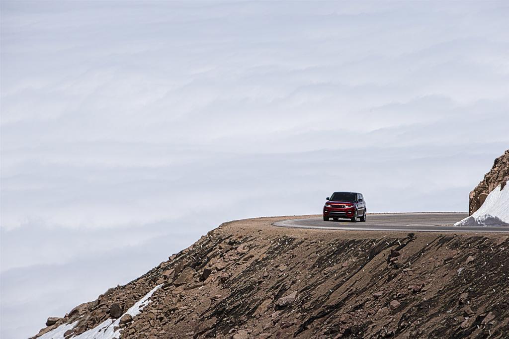 2014 Range Rover Pikes Peak Record-3