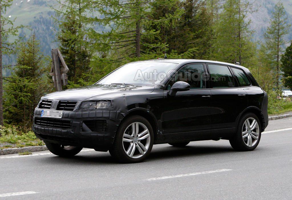 2015 Volkswagen Touareg spy shot-2