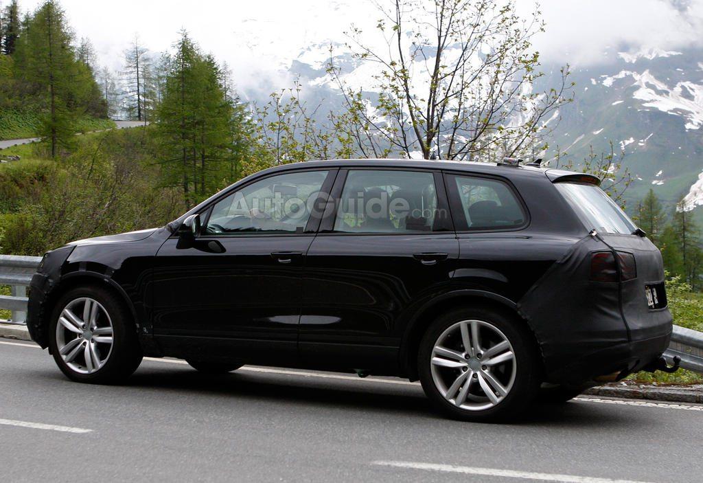 2015 Volkswagen Touareg spy shot