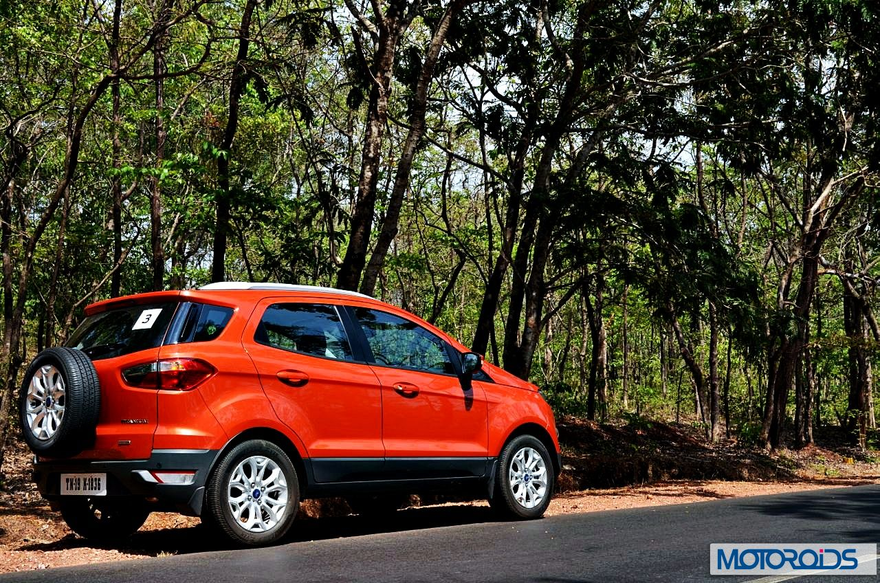 ford ecosport vs renault duster quick comparo of features performance handling and price. Black Bedroom Furniture Sets. Home Design Ideas