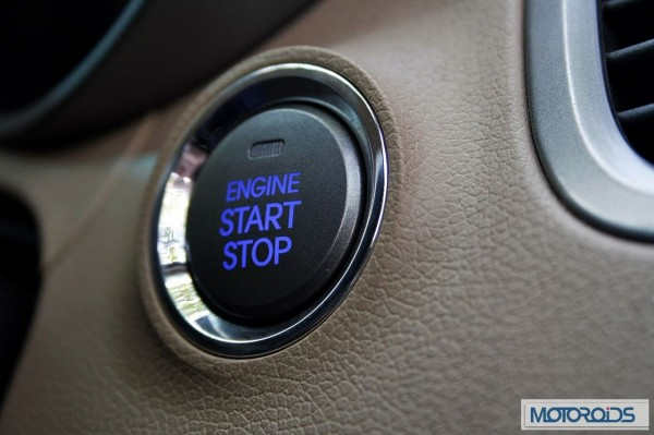 Hyundai elantra Fluidic India review (13)