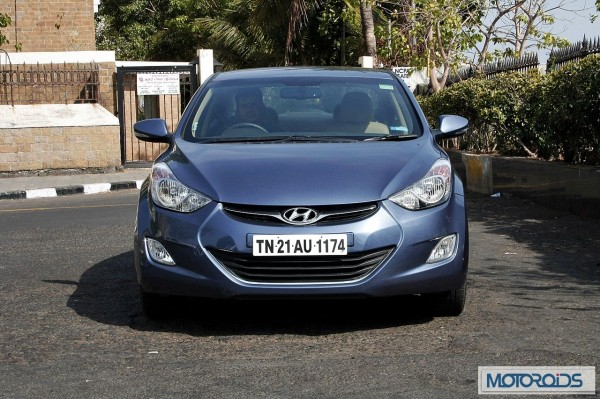 Hyundai elantra Fluidic India review (44)