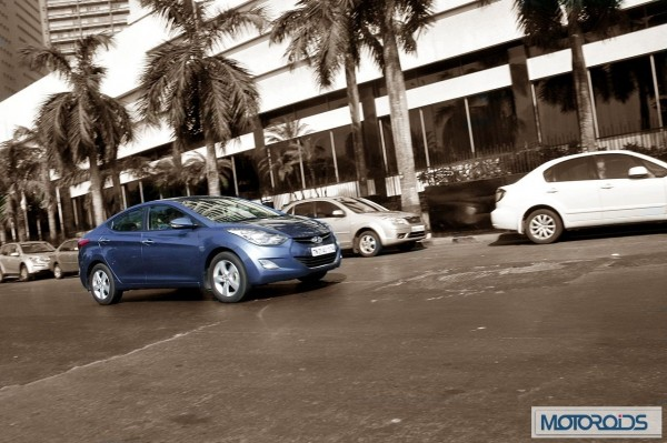 Hyundai elantra Fluidic India review (47)