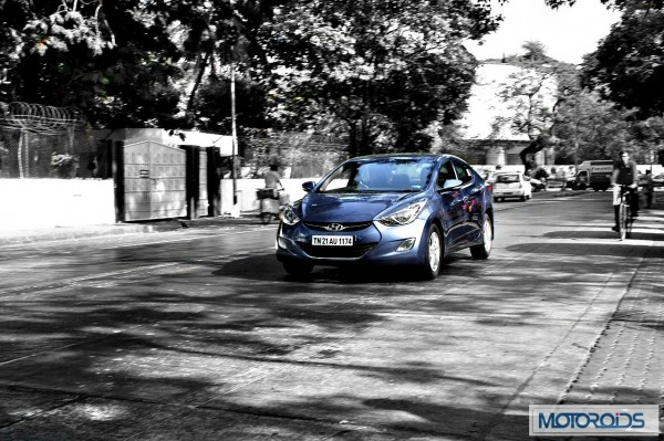 Hyundai elantra Fluidic India review (48)