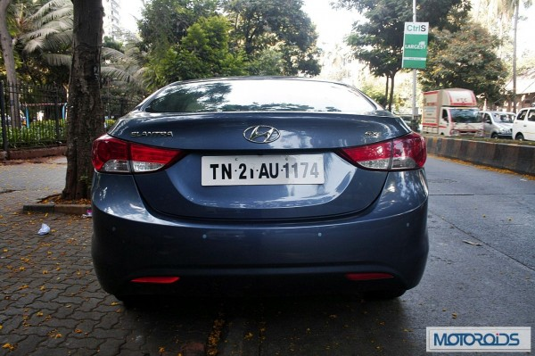 Hyundai elantra Fluidic India review (51)
