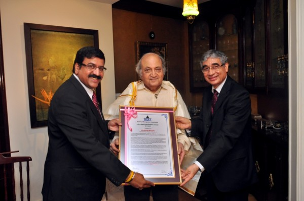Kastubh-Mahindra-Lifetime-Achievement-Award-1