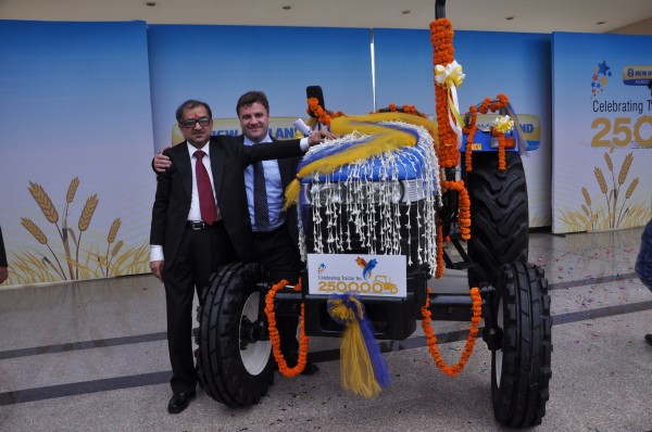 Mr. Rakesh Malhotra, Head of New Holland Fiat India,Mr Stefano Pampalone, Head of Operations for India, Pakistan, Far East and Japan at the Celebration to mark rollout of New Holland's 2,50,000th tractor1