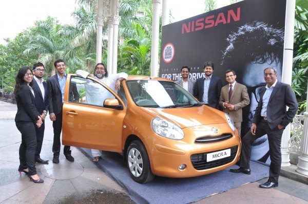 Mr. Nitish Tipnis – Director, Sales & Marketing - Hover Automotive India (National Sales Company for Nissan India) along with Mr. Prahlad Kakkar – Jury Member for Nissan Student Brand Manager 2013 and Student Brand Managers of previous editions.