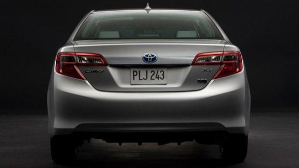 Toyota_Camry_Hybrid_3