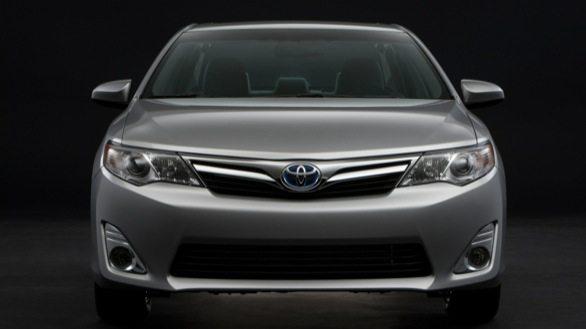 Toyota_Camry_Hybrid_5