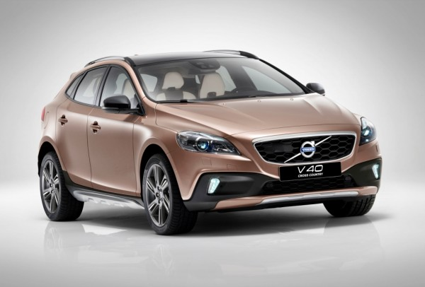 Volvo-V40-India-Price-features-diesel-engine-1