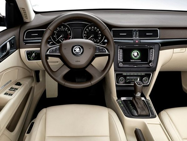 2014-Skoda-Superb-India-launch-4