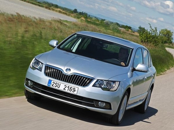 2014-Skoda-Superb-India-launch-5