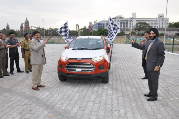 Atulya Misra, Chairman, Chennai Port Trust and Joginder Singh, president and managing director, Ford India, jointly flagging off the export of the EcoSport from CHPT[1] (1)