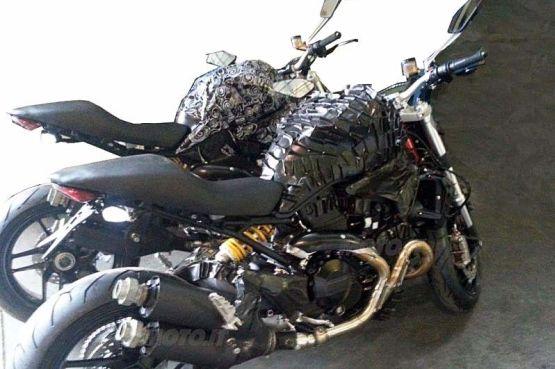 Ducati-Monster-1198-pics-1