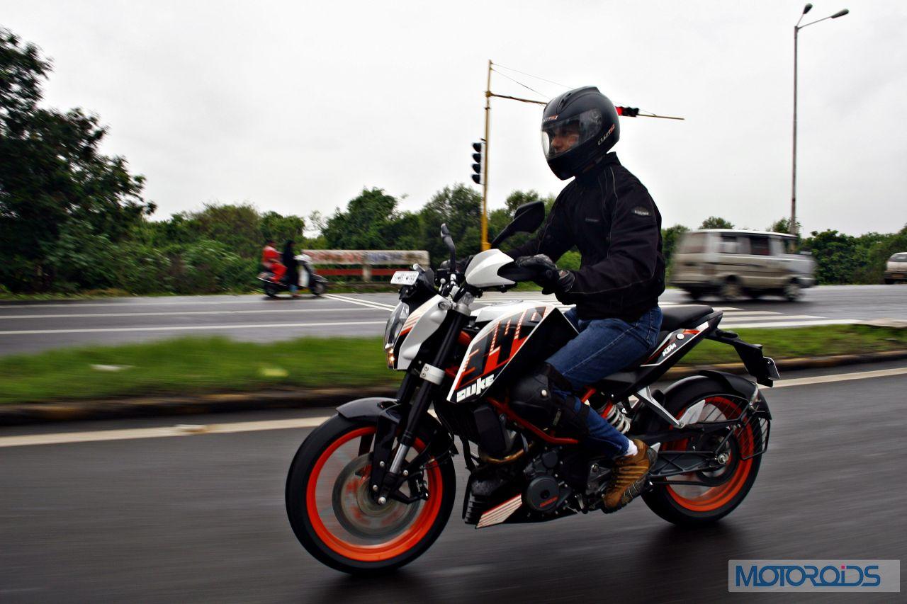 Ktm 390 Duke First Review Mayhem Minified Motoroids