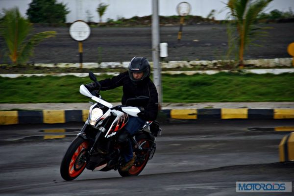 KTM 390 Duke India road test review (83)